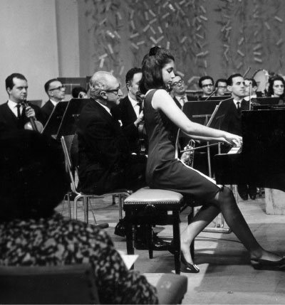 Performing Shostakovitch 1st Piano Concerto with the Sao Paulo Philharmonic Orchestra in September 1966